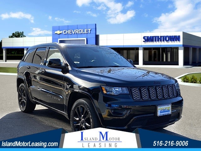 Jeep Grand Cherokee Altitude in Hicksville