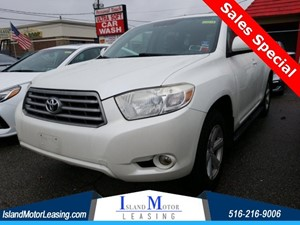 Picture of a 2010 Toyota Highlander SE