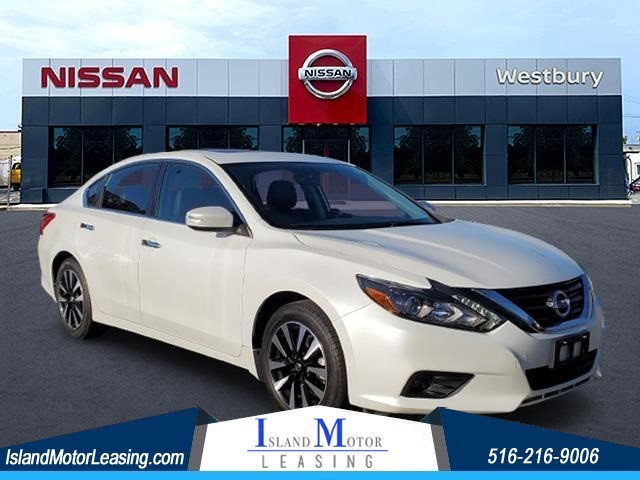 Nissan Altima 2.5 SL in Hicksville
