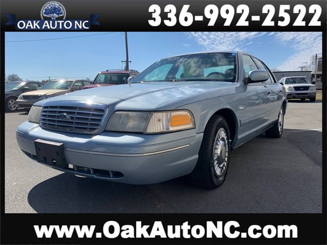 FORD CROWN VICTORIA NO ACCIDENT, LOW MILES in Kernersville