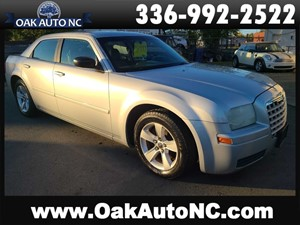 2005 CHRYSLER 300 NO ACCIDENTS!! for sale by dealer