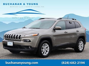 Picture of a 2017 Jeep Cherokee Latitude