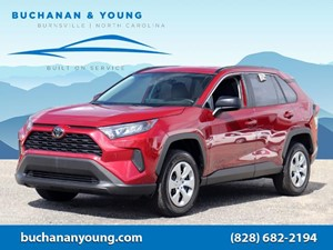 Picture of a 2019 Toyota RAV4 LE