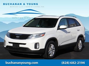 Picture of a 2015 Kia Sorento LX