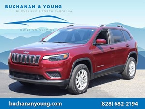 Picture of a 2020 Jeep Cherokee Latitude