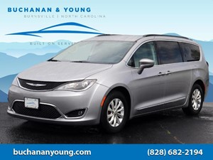 Picture of a 2017 Chrysler Pacifica Touring Plus