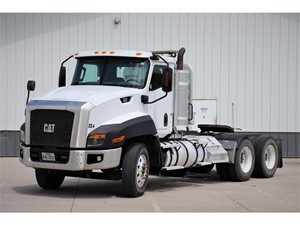 Picture of a 2015 Caterpillar CT660