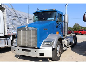Picture of a 2000 Kenworth T800