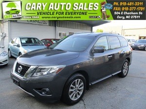 Picture of a 2014 NISSAN PATHFINDER SV