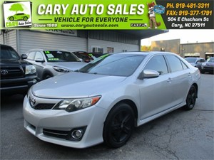 Picture of a 2012 TOYOTA CAMRY SE
