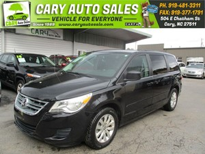 Picture of a 2014 VOLKSWAGEN ROUTAN SE