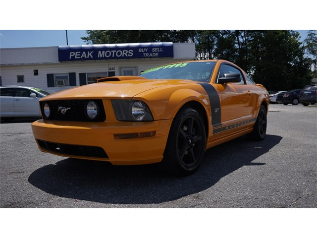 Ford Mustang GT Deluxe Coupe in Hickory