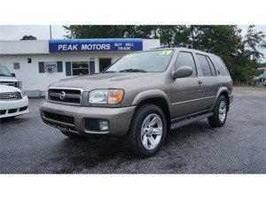 Picture of a 2002 Nissan Pathfinder SE