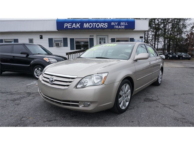 Toyota Avalon Limited in Hickory