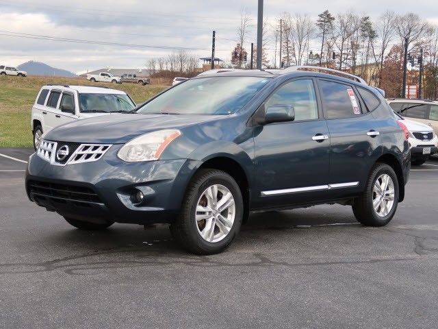 Picture of a used 2013 Nissan Rogue SV