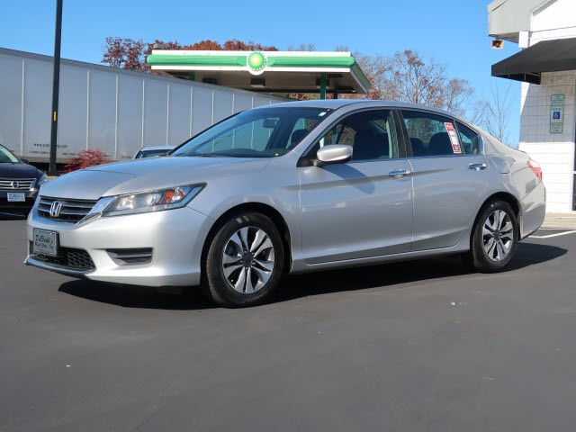 Picture of a used 2013 Honda Accord LX