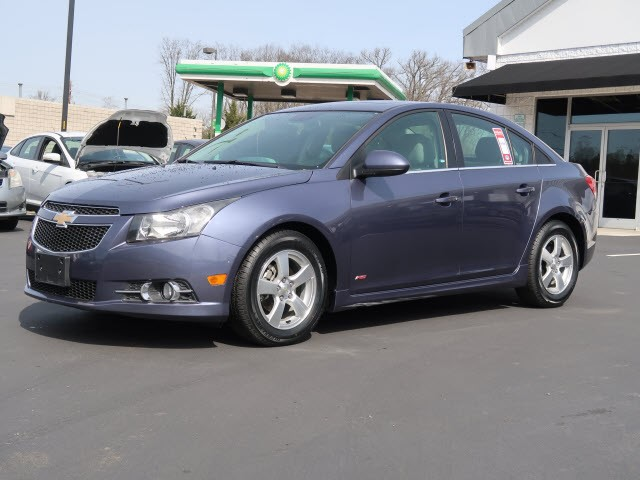 Picture of a used 2014 Chevrolet Cruze 1LT Auto