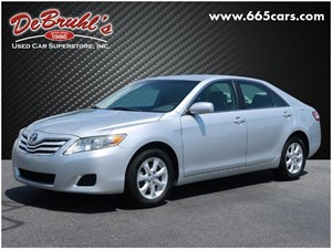 Picture of a 2011 Toyota Camry LE