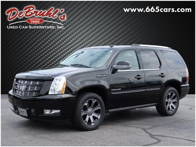 Picture of a used 2013 Cadillac Escalade Premium