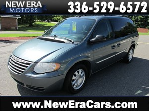2005 Chrysler Town & Country Touring Cheap! Nice! Winston Salem NC