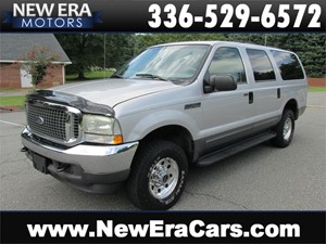 Picture of a 2004 Ford Excursion XLT 5.4L 4WD 3rd Row! Nice!