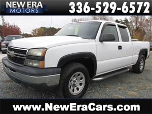 Picture of a 2007 Chevrolet Silverado Classic Ext Cab 1500 4x4!