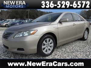 Picture of a 2007 Toyota Camry Hybrid Sedan Great MPG! Nice!