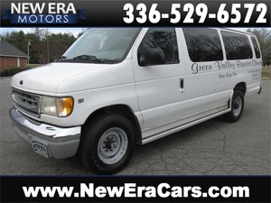 Picture of a 2000 Ford Econoline E-350 Passenger Van