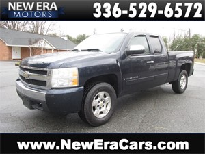 Picture of a 2008 Chevrolet Silverado 1500 Work Truck 4X4 Ext Cab