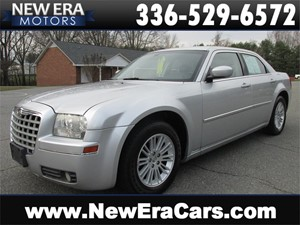 Picture of a 2009 Chrysler 300 Touring w/ Great Service History
