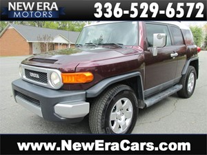 Picture of a 2007 Toyota FJ Cruiser 4WD Trail Ready!