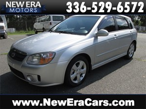 Picture of a 2007 Kia Spectra, No Accidetns, Hatchback, NICE!