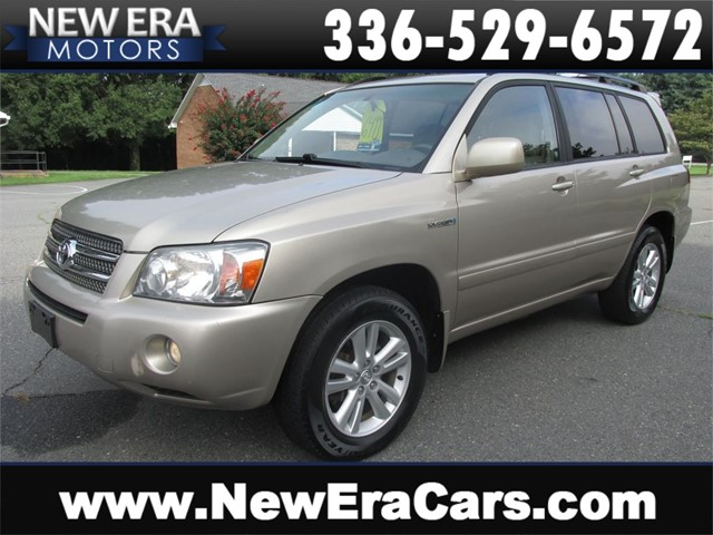 Toyota Highlander Hybrid, AWD, 1 Owner, 3rd Row in Winston Salem