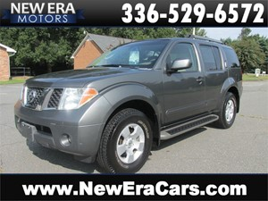 Picture of a 2006 Nissan Pathfinder LE, V6, 3rd Row, Tow Package