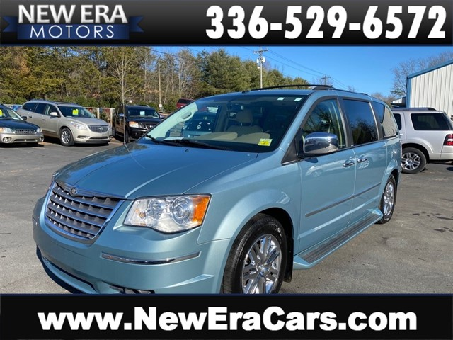 CHRYSLER TOWN & COUNTRY LIMITED-2 OWNERS in Winston Salem
